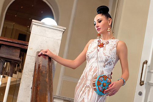 Stylist Nitalia Kirikova-Buynaya introduced LADA&LIZA fashion house accessories for Bellissimo magazine